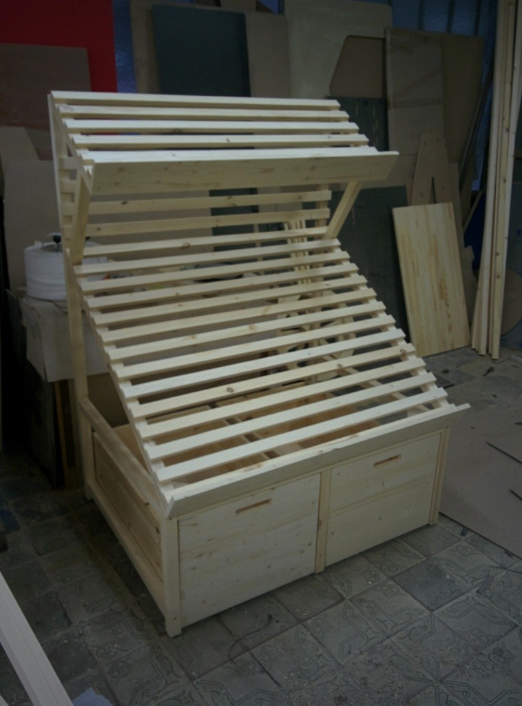 Овощной деревянный развал с дополнительной полкой и выдвижной корзиной
