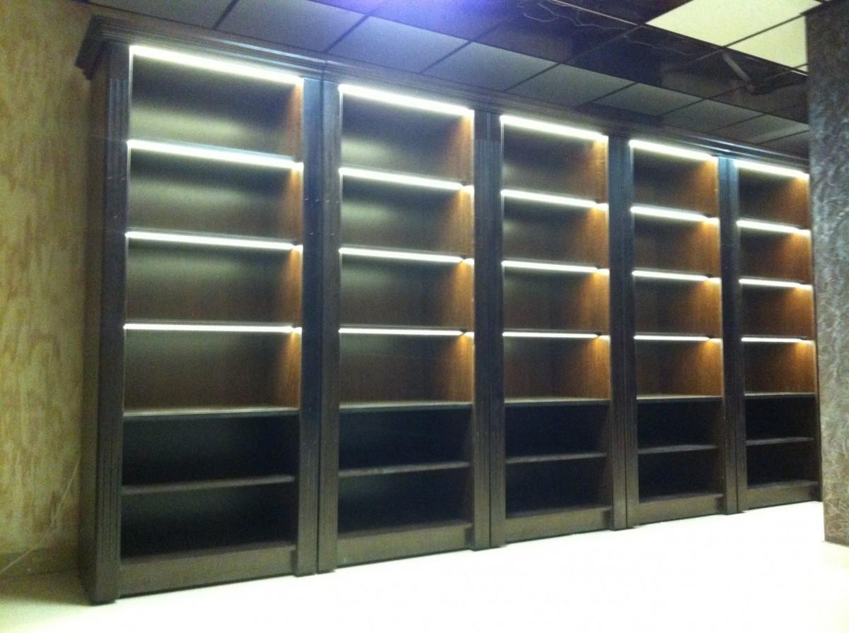 Деревянный шкаф для алкоголя с зеркальной стенкой V 021